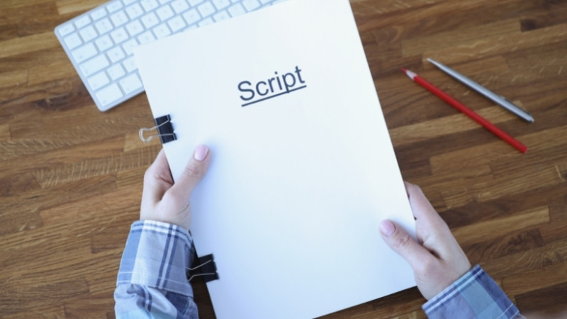 12 Best Screenwriting Software For Beginners